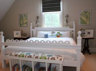 现代个性化阁楼卧室,洁净的床和带有田园色彩的装饰品充满了小资情调。,阁楼,卧室,现代,小资,宜家,收纳,白色,黑白,