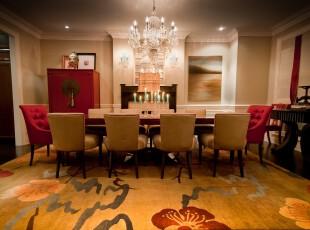 新古典主义餐厅,豪华、大气。,餐厅,新古典,墙面,灯具,餐台,红色,黄色,白色,