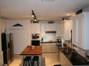 现代风格厨房,简洁、宜家。,厨房,现代,黑白,白色,宜家,餐台,
