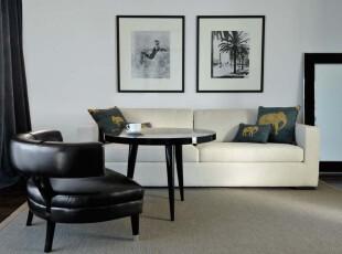 现代简约主义小客厅,黑与白的交错给人简洁、整齐的感觉。,客厅,现代,简约,小资,黑白,白色,相片墙,
