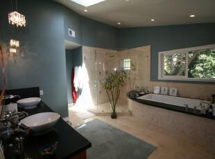 地中海式卫生间,加上经典的黑白搭配,摩登又经典,卫生间,地中海,蓝色,黑白,