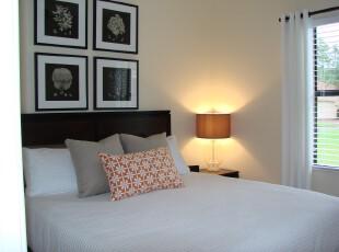现代简约风格的卧室,简洁、大方。,卧室,现代,简约,相片墙,灯具,窗帘,黑白,白色,