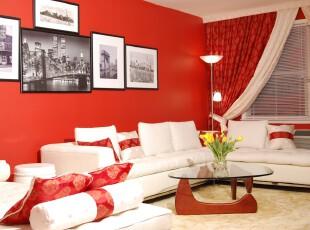 现代风格客厅,红色与白色的搭配让空间充满活力。,客厅,现代,小资,相片墙,墙面,窗帘,灯具,白色,红色,
