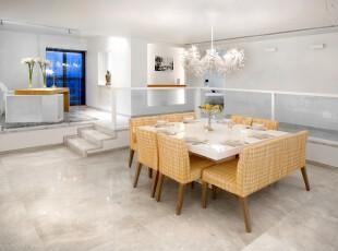 现代主义开放式餐厅,浅黄色格子布椅搭配洁净的白色,容易让人产生田园式的清新之感。,餐厅,现代,黄色,白色,餐台,灯具,