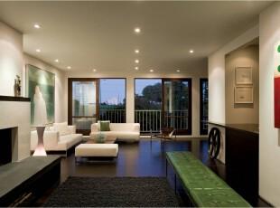 黑白经典色调的现代化客厅,简约至极,但是增条红绿色的装饰,客厅活了起来,客厅,现代,黑白,
