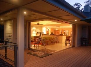 拥有一个超大的阳台,不要以为不去装饰就是浪费,其实只要简简单单的,也可以好好享用生活,阳台,欧式,小资,白色,