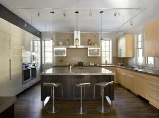 原木色厨房,追求简约又不失大气,厨房,餐厅,现代,简约,餐台,原木色,