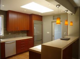 现代简约的开放式厨房,厨房,现代,简约,小资,宜家,餐台,灯具,墙面,原木色,黄色,