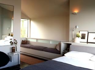 简约的卧室,充分利用空间,打造干净舒适的睡眠环境。,卧室,现代,简约,小资,宜家,灯具,白色,紫色,