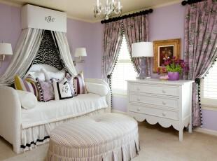 简约欧式卧室,紫色调十分具有浪漫情怀,是少女心目中的梦幻公主房。,卧室,简约,欧式,白色,紫色,灯具,墙面,窗帘,