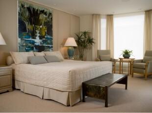 田园式的卧室,由淡淡的黄色衬托出满室的温馨,绿色植物和图画的点缀带来了自然的小清新。,卧室,现代,田园,宜家,窗帘,灯具,墙面,黄色,绿色,
