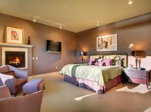 现代主义卧室,大胆选用多种柔和色彩搭配出一个充满小资情调的卧室空间。,卧室,现代,小资,墙面,灯具,紫色,春色,绿色,