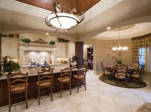 简约欧式风格的厨房和餐厅,开放式设计给人开阔的感觉,整个空间十分典雅大气。,厨房,餐厅,简约,欧式,窗帘,灯具,吧台,白色,原木色,
