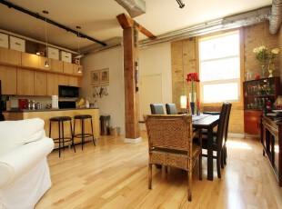 现代主义餐厅,满室的原木色彩让人感到自然、舒适。,餐厅,厨房,现代,宜家,收纳,墙面,吧台,餐台,原木色,黄色,