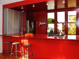 现代风格厨房,整体以红色着色,显得热情、活力。,厨房,现代,小资,吧台,红色,