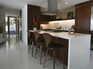 现代风格厨房,典雅大气。,厨房,原木色,白色,吧台,餐台,