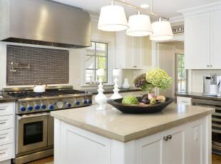 现代风格的厨房,洁净的白色让厨房看上去十分亮堂。,厨房,现代,墙面,灯具,白色,