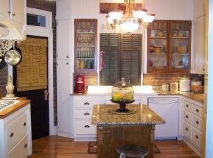 中式新型的小厨房,在现代风格中加入几样传统格调的中国元素,有些复古又不显沉闷。,厨房,中式,灯具,墙面,白色,原木色,