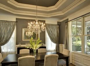 简约欧式厨房,高空间和欧式墙面设计让整体更显素雅大气。,餐厅,简约,欧式,墙面,灯具,餐台,窗帘,黑白,
