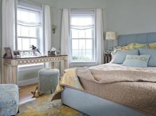 简约欧式卧室,淡雅、柔和。,卧室,简约,欧式,窗帘,蓝色,黄色,白色,