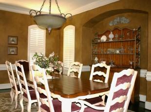 新古典主义餐厅,古香古色,十分典雅。,餐厅,新古典,墙面,相片墙,灯具,白色,原木色,红色,