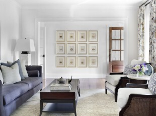 现代风格餐厅,由于空间较小,设计师专门设计了落地窗以提高空间的明亮度,让客厅更显敞亮。,客厅,现代,宜家,白色,紫色,原木色,相片墙,窗帘,灯具,