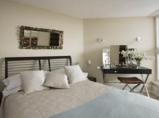 这个简约风格的卧室看上去十分舒服,淡黄色和白色的配搭也很温馨。,卧室,简约,现代,宜家,小资,墙面,黄色,白色,