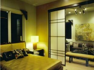 日式卧室,给人宁静祥和的感觉。,卧室,日式,墙面,灯具,黄色,原木色,