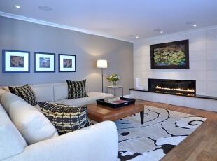 现代简约风格客厅,素雅、宽敞、大气。,客厅,现代,简约,相片墙,墙面,灯具,黑白,白色,原木色,