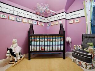 现代粉色儿童房