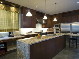 现代风格厨房,整体大气、简约。,厨房,餐台,现代,窗帘,灯具,原木色,