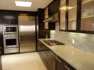简约厨房,黑色与黄色的配搭给厨房一种简洁大气的感觉。,厨房,现代,简约,墙面,收纳,黑白,黄色,