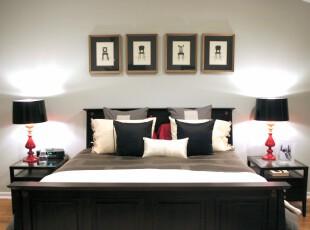 简约卧室,要做到简约,摆放对称型的家具是一个有效的方法,强烈的黑白对比也让卧室不至于太单一。,卧室,灯具,相片墙,墙面,简约,黑白,