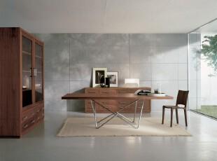单身公寓餐厅,宽敞的空间和少量的家具无不表明主人是极简主义的追求者。,餐厅,餐台,现代,简约,原木色,白色,