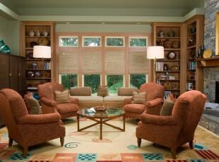 欧式客厅,暖色调渲染出一个温馨、亲切的客厅。,客厅,欧式,窗帘,墙面,收纳,灯具,粉色,黄色,原木色,