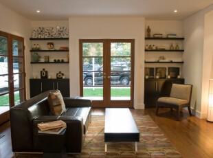 现代简约风格客厅,宽敞、大气。,客厅,收纳,灯具,墙面,现代,简约,黑白,原木色,
