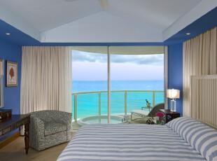 地中海风格卧室,抒发着蔚蓝色的浪漫情怀。伴着海景,在这个异国情调的空间里,生活可谓悠闲自得。,卧室,地中海,蓝色,白色,黄色,灯具,窗帘,相片墙,墙面,