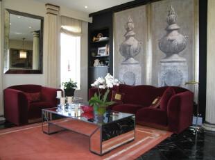 新古典风格客厅,深沉的主色凸显出豪华、富丽的格调,少量的白色糅合,使色彩看起来更加明亮,而大幅壁画的选择更加深了空间的历史底蕴。,客厅,新古典,红色,粉色,黑白,白色,墙面,