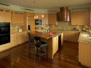 简约风格厨房,纯粹的原木色颇具质感。,厨房,现代,简约,原木色,吧台,墙面,
