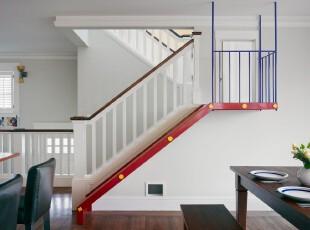 简约风格的楼梯,以纯白为主色,利用另外三种颜色勾勒出楼梯的线条之美。,楼梯,现代,简约,宜家,小资,白色,红色,蓝色,
