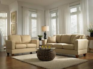 现代素雅客厅,柔和温馨。,客厅,现代,简约,白色,黄色,原木色,灯具,窗帘,相片墙,