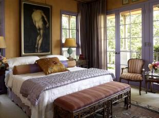 新古典主义卧室,采光条件良好,降低了深色家具带来的压抑感。,卧室,新古典,窗帘,墙面,灯具,原木色,紫色,白色,黄色,