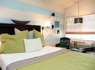 现代田园风格卧室,自然的色彩搭配带来一股小清新,使人轻松愉悦。,卧室,现代,田园,小资,蓝色,白色,绿色,春色,黑白,灯具,墙面,窗帘,