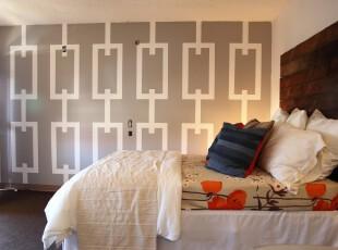 现代创意卧室,满满一面独特设计的墙面,立体感十分强烈。,卧室,现代,宜家,小资,墙面,白色,原木色,