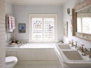 简约欧式卫生间,白净淡雅,菱形墙面装饰清新素丽,辅以几样西欧样式的装饰品,空间略有贵气。,卫生间,简约,欧式,白色,墙面,