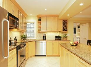 现代开放式厨房,淡雅的黄色让厨房倍感温馨。,厨房,现代,宜家,黄色,吧台,收纳,