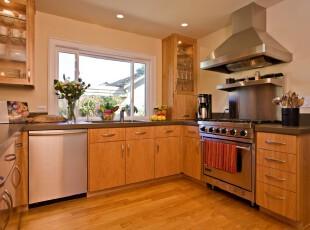 现代原木厨房,整个空间都是暖色调,温馨宜家。,厨房,现代,原木色,黄色,收纳,宜家,