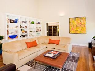 现代风格书房,大气,宽敞,明亮。,书房,现代,收纳,白色,黄色,原木色,