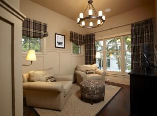 简约欧式小客厅,素雅大方。,客厅,简约,欧式,窗帘,灯具,墙面,白色,黑白,