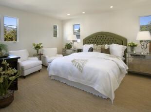 现代简约田园风情卧室,白色主色调干净大方,配以绿色家具和植物,便有了田园般的清新、自然。,卧室,现代,简约,田园,白色,绿色,黄色,灯具,